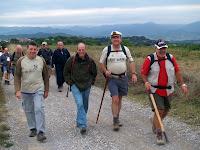 Travessant el Camp llarg de Cal Visó, una vegada passat l'Hostal Nou