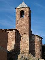 Campanar i absis de l'església de Sant Iscle i Santa Victòria