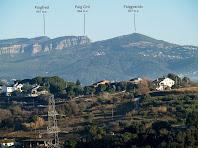Els Cingles de Bertí i el Puiggraciós vistos des de l'alçada de Can Sala