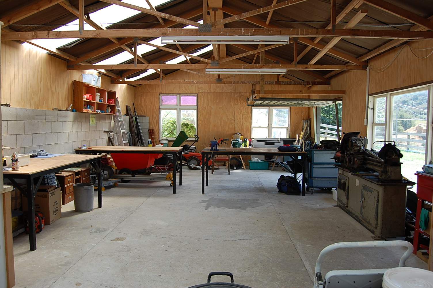 Living the good life garage workshop declutter for Garage ava auto gap