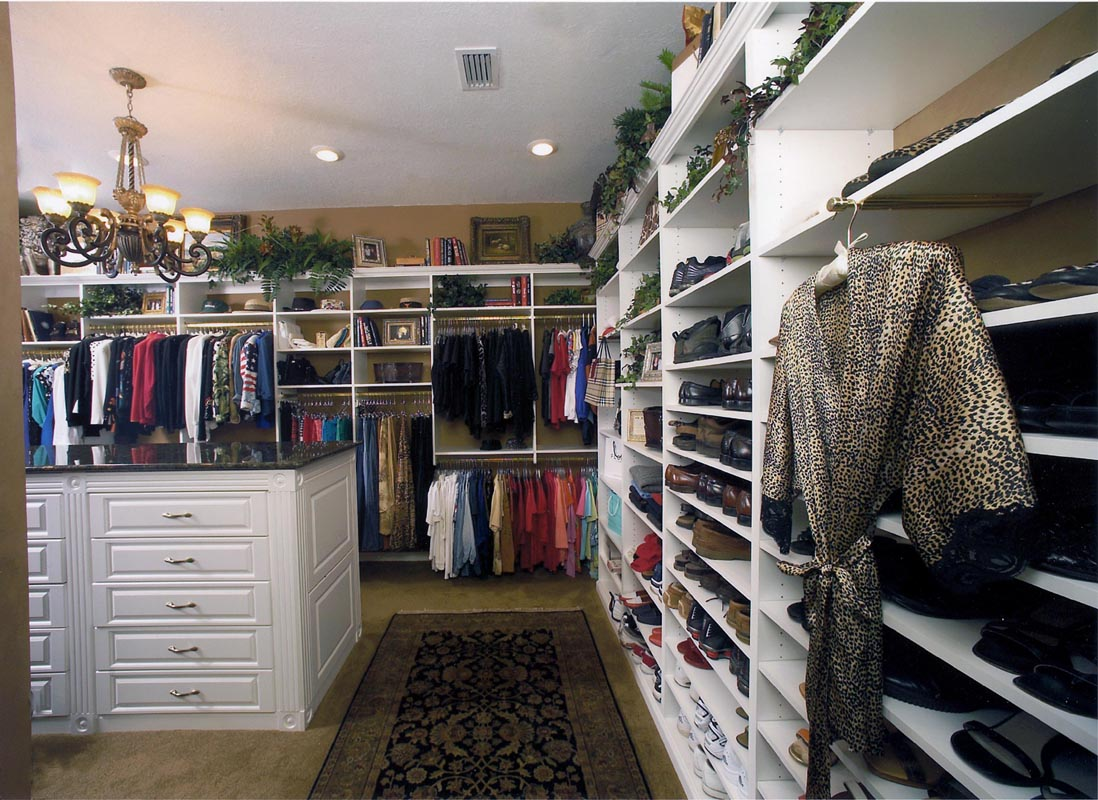 The real housewife of bowie county the great closet caper for Great closets