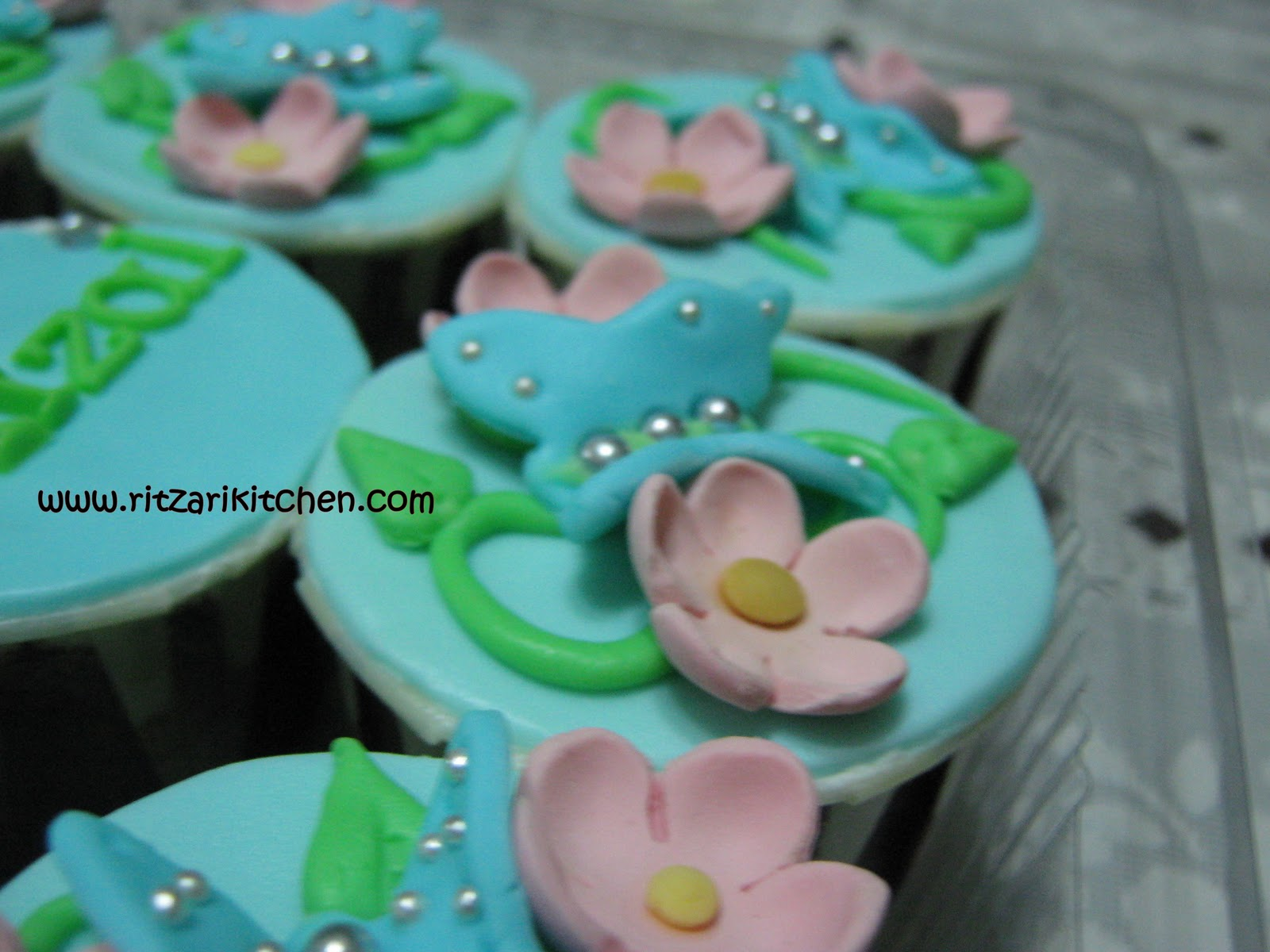 cupcakes for engagement