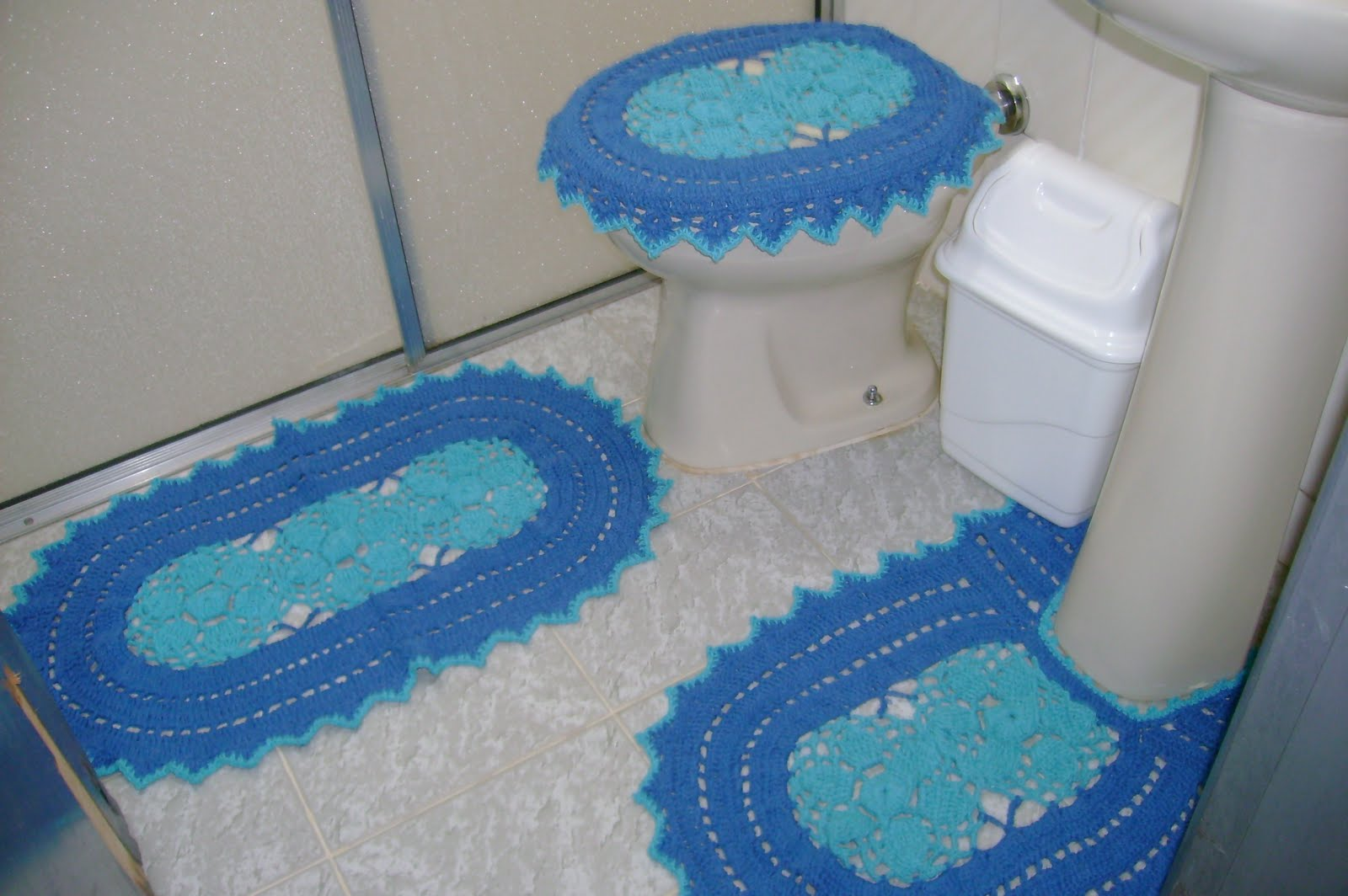 Lindos Croches da Nilza: Jogo de Banheiro Azul #224A7D 1600x1064 Banheiro Com Azul