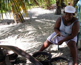 Marie-Laure, qui prépare le repas