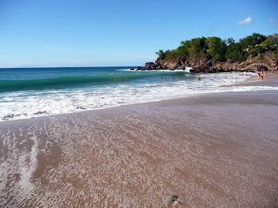 Partie droite de la plage de Leroux