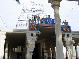 http://1.bp.blogspot.com/__bxacuSUkeU/Sl2MtLq1RJI/AAAAAAAABLs/v1QB5Yj7aAY/s320/temple+tower.jpg