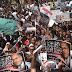 وقفة احتجاجية تطالب باقالة وزير الداخلية بعد تفجيرات كنيسة القديسين