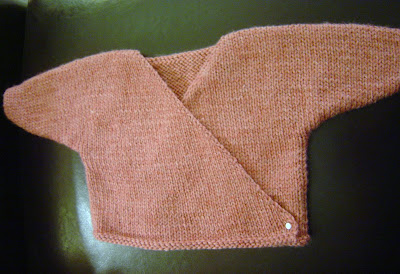SEAMLESS KIMONO BABY SWEATER PATTERN | Free Baby Knitting Patterns
