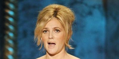Drew Barrymore niega haberse comprometido con Justin Long