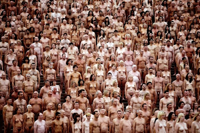 5.200 se desnudan en Australia para foto de Tunick