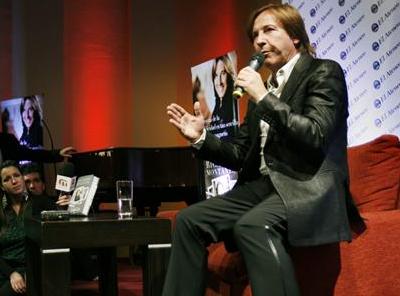 Ricardo Montaner presenta su primer libro en Argentina