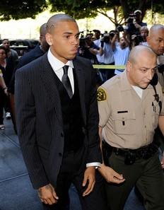 Chris Brown estará 5 años en libertad condicional