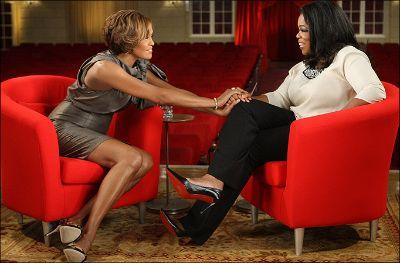 Whitney Houston aún tentada por las drogas