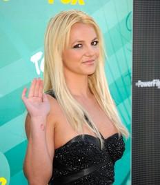 Britney Spears quiere un trío sexual