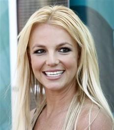 Britney Spears y su manager retoman su noviazgo