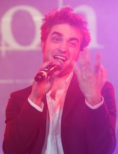 Robert Pattinson quiere ser cantante de música pop