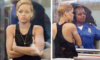 Rihanna sometida a los controles del aeropuerto de Los Angeles