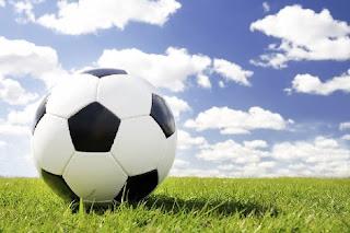 http://1.bp.blogspot.com/__fxERtWQB6w/TBXUne6wzpI/AAAAAAAAAGQ/GA8cAT-EYd8/s1600/football.jpg