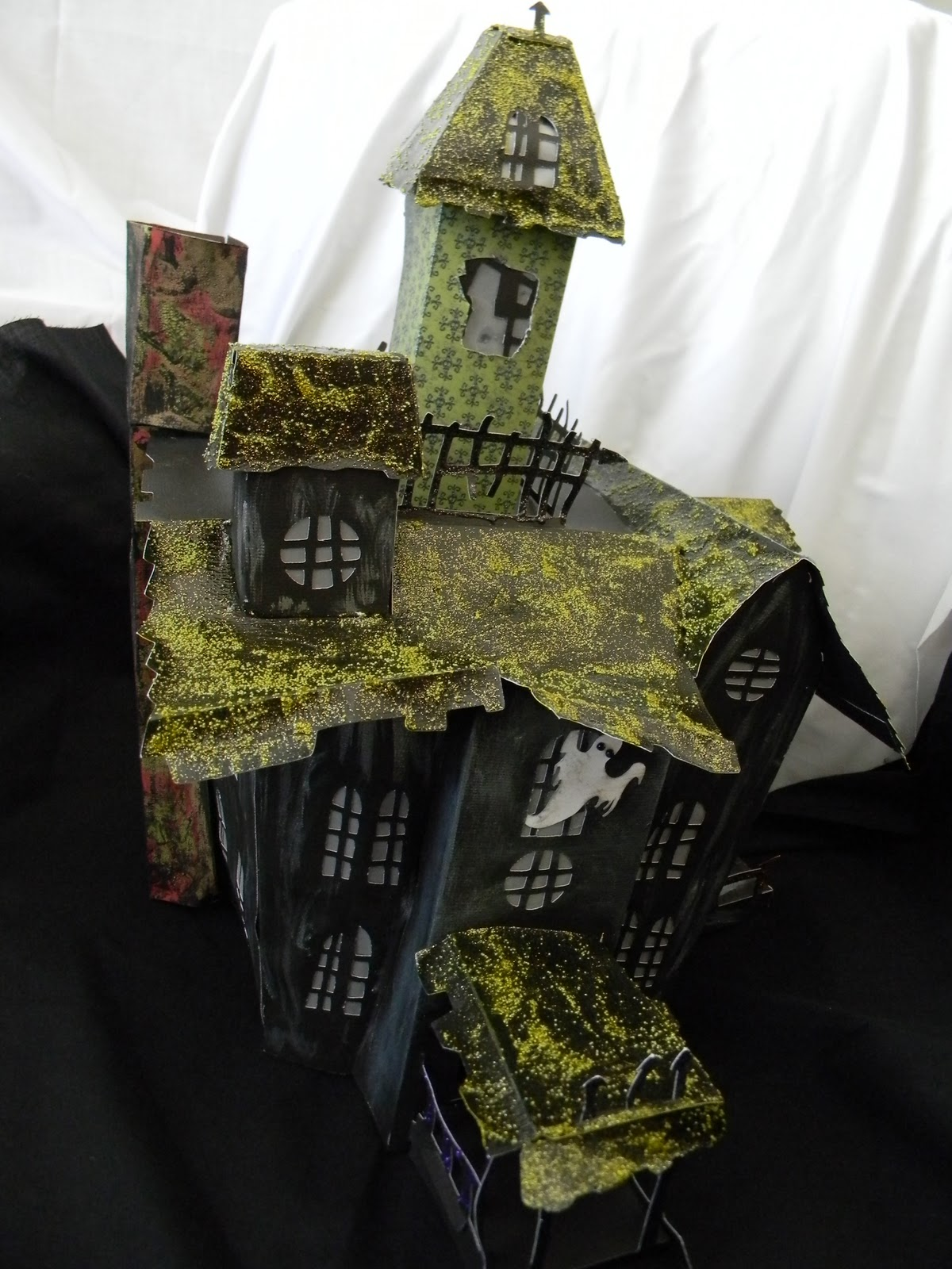 So Happy Scrappin Happy Hauntings 3 D Haunted House