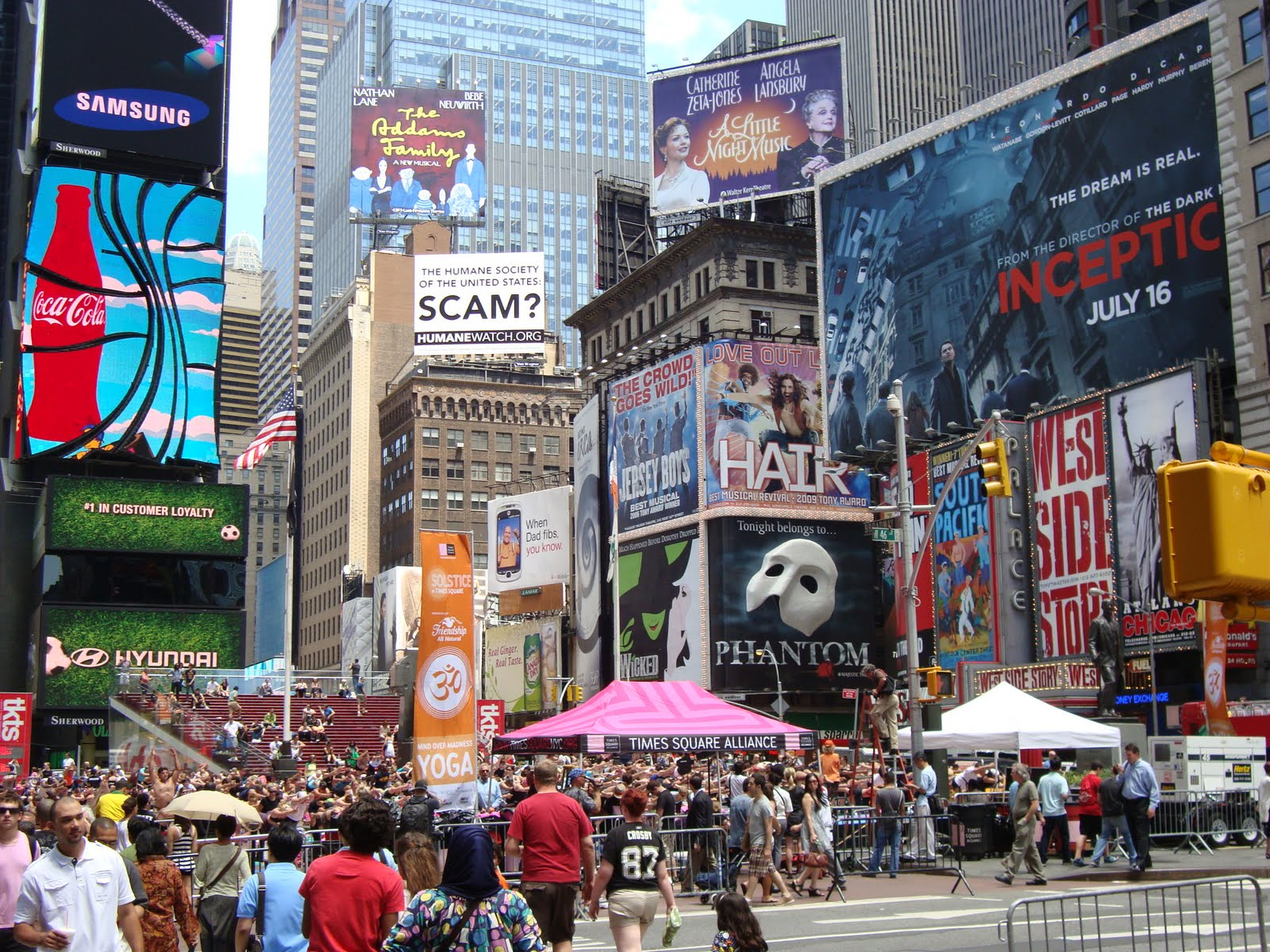 Shopping Search 63 Shopping Listings Found Broadway & 44th Street. LEARN MORE. Guitar Center. W 44th St () LEARN MORE. Hershey's Chocolate World. LEARN MORE. Swatch. Broadway () LEARN MORE. Aldo Shoes. W 42nd St () LEARN MORE. Sephora. W 42nd St () LEARN MORE. M.A.C.