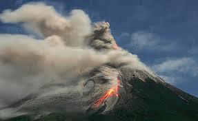 Jumlah Gunung Aktif di Indonesia dan status terbaru gunung-gunung merapi aktif di Indonesia beserta video dan gambar letusan gunung merapi di Indonesia