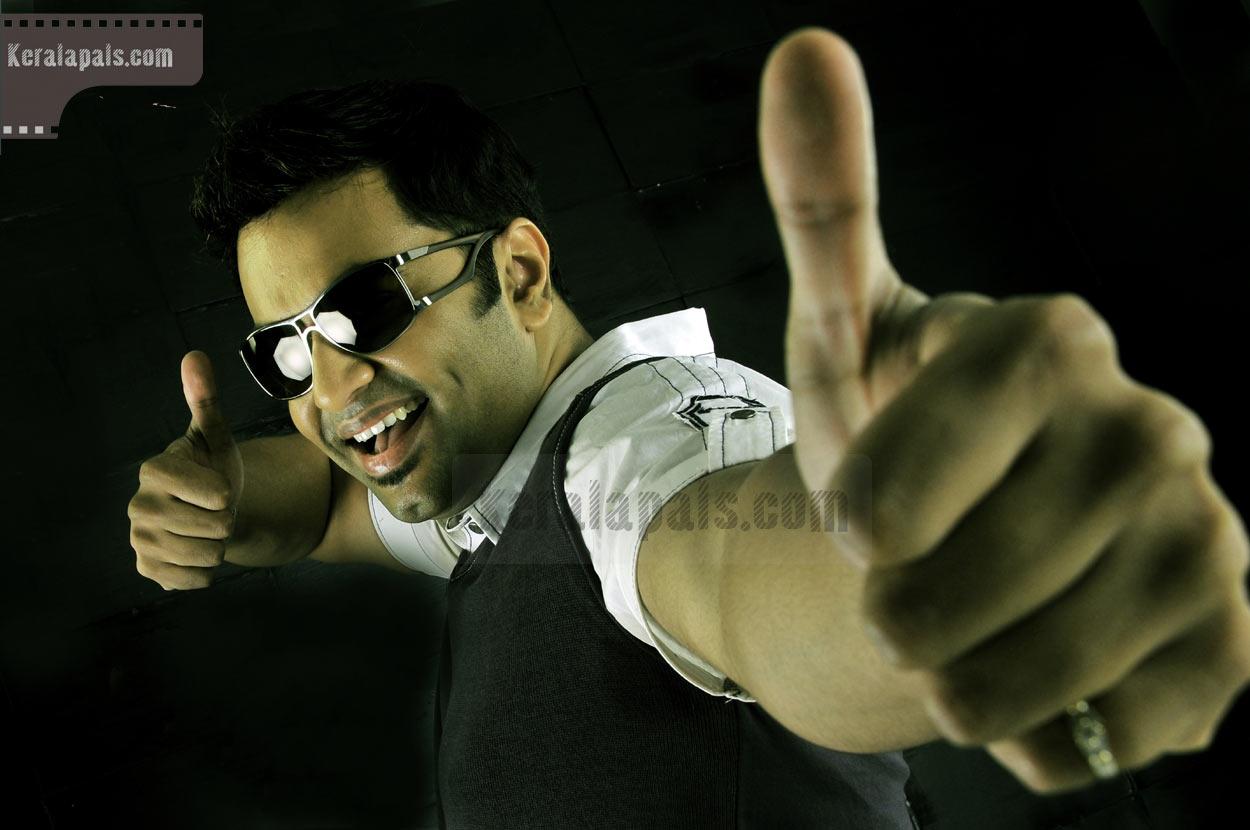 http://1.bp.blogspot.com/__h3BVq0s4J0/TK9SgQ0LjII/AAAAAAAADks/LxjhN4bIa48/s1600/happy-husbands-jayaram-bhavana-indrajith-samvritha-jayasurya-vandana-reema-pics-pals-24909-03.jpg