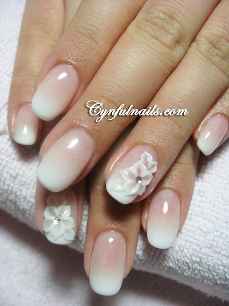 airbrushed white gradient tips