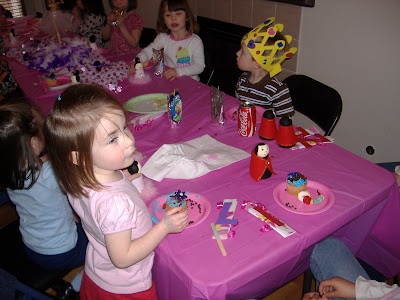 Tutus and Twirls decorating cupcakes