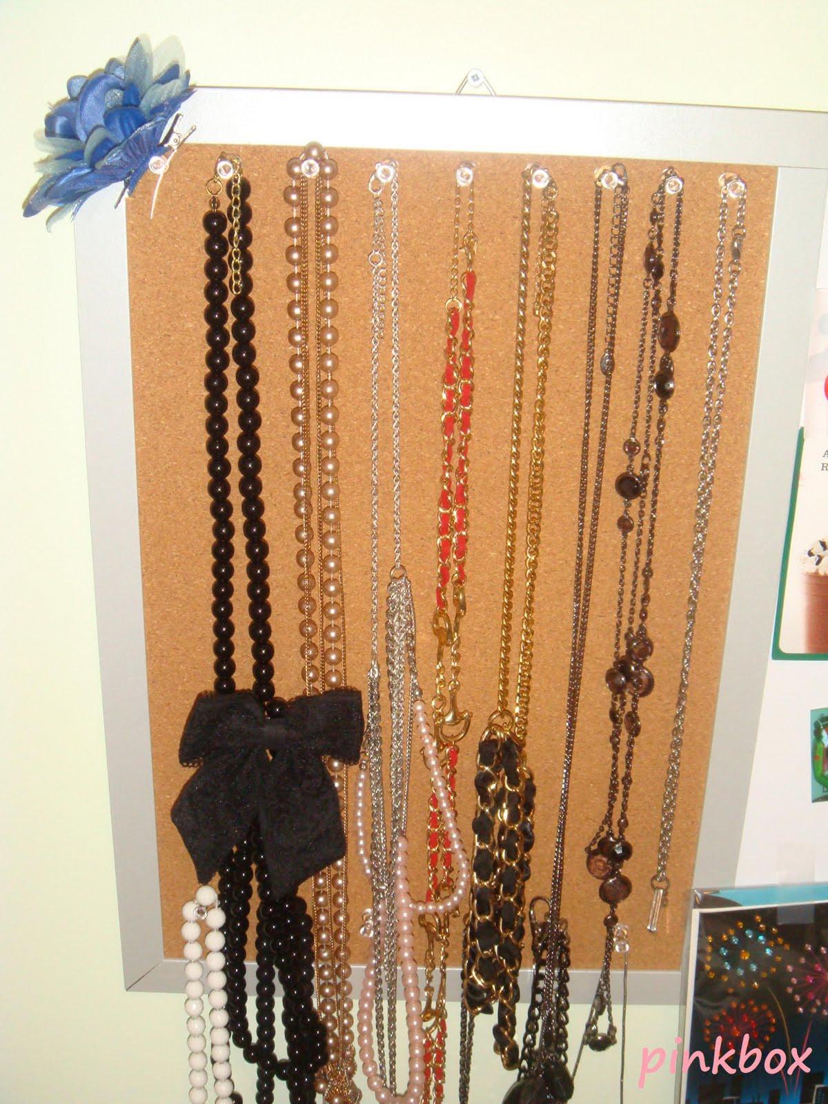 pinkbox makeup diy jewelry necklace holder