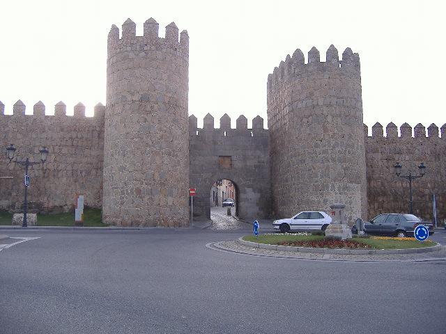 Arco de la Muralla -Avila-