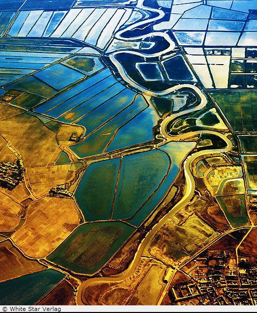 jpeg menakjubkan pemandangan alam bumi kita yang di potret dari udara