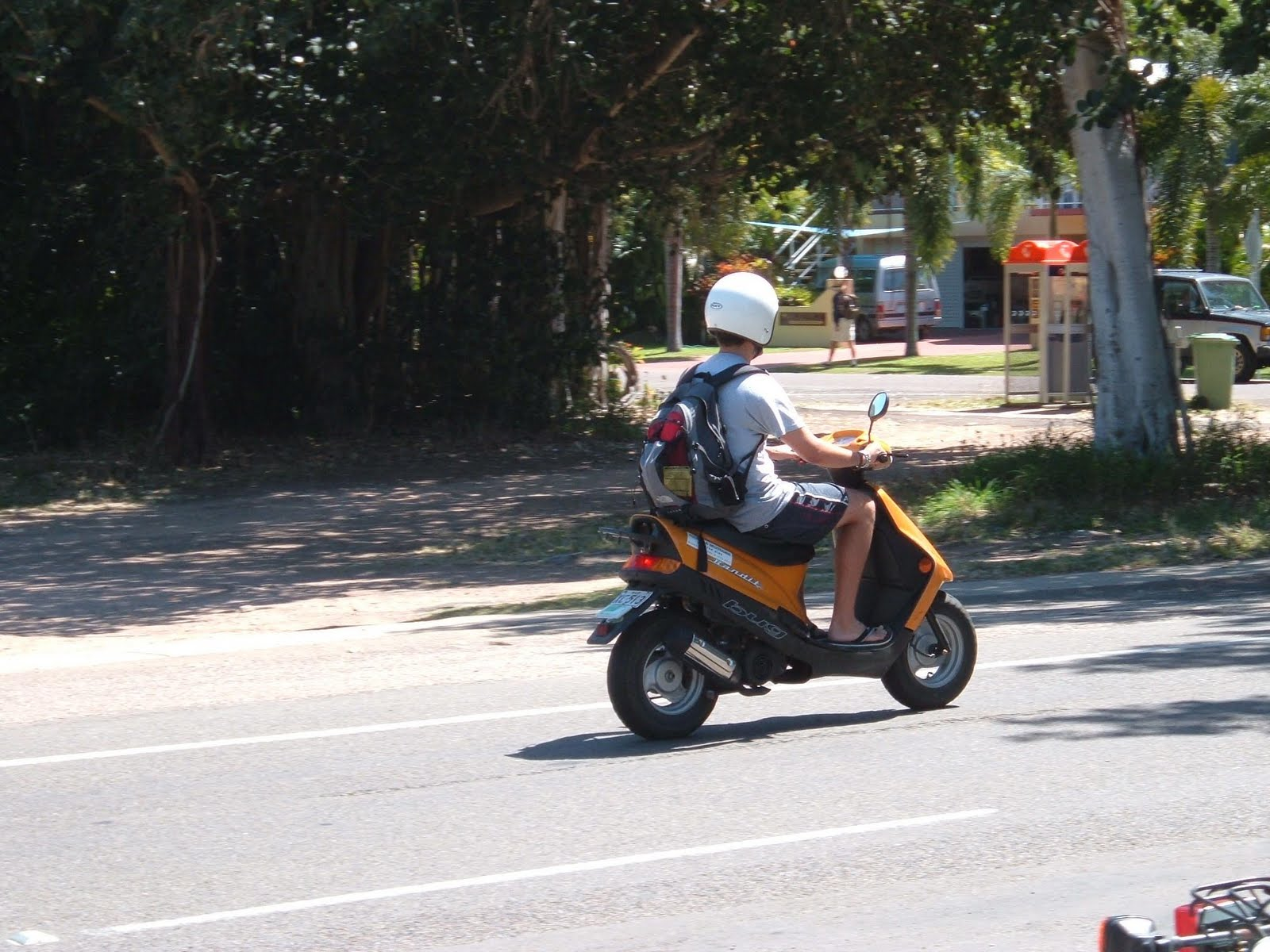 50CC Moped Journey  Moving House   New Places to Moped