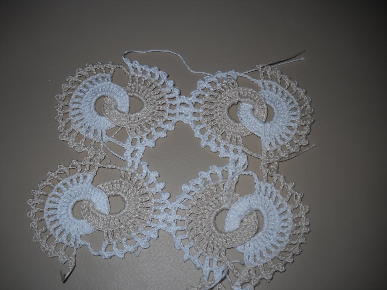 tapete redondo con flores a crochet picture car interior. Black Bedroom Furniture Sets. Home Design Ideas