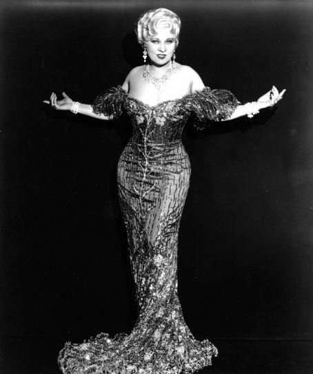 Retro Threadz Vintage Mae West