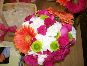 Bright Bridal Gerbera/Roses mix