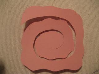 Πως να φτιάξετε τριαντάφυλλα απο χαρτί απο την Χρυσάνθη IMG_0110