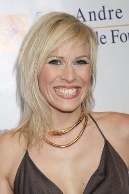 Natasha Bedingfield Blond Hairstyle