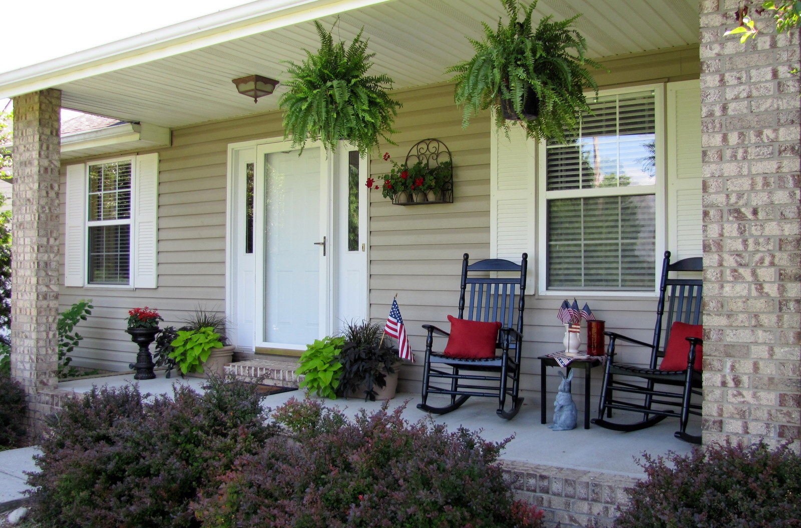22 fall front porch ideas veranda home stories a to z - Sharon 39 S Wannabe Cottage Porch Inspiration Pictures
