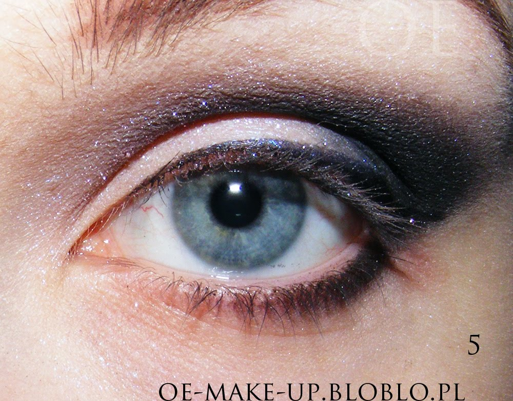 How To Apply Eyeliner Lower Lid. On lower eyelid add some black