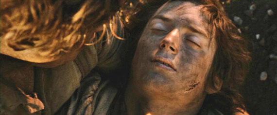 Frodo inconsciente na Montanha da Perdição