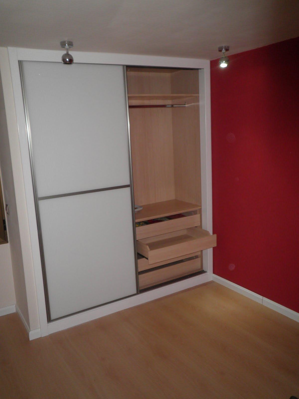 Decoraciones sahuquillo armario puertas correderas cristal - Decoracion armarios empotrados ...