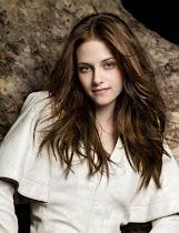 Bella Swan (Kristen Stewart) - Quando vira vampira, bloqueia o poder dos outros vampiros.