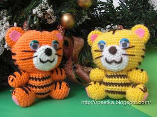 Жмем.  Слева в блоге есть ссылка на мастер класс Hello Kitty Для начинающих очень полезные мастер-классы.