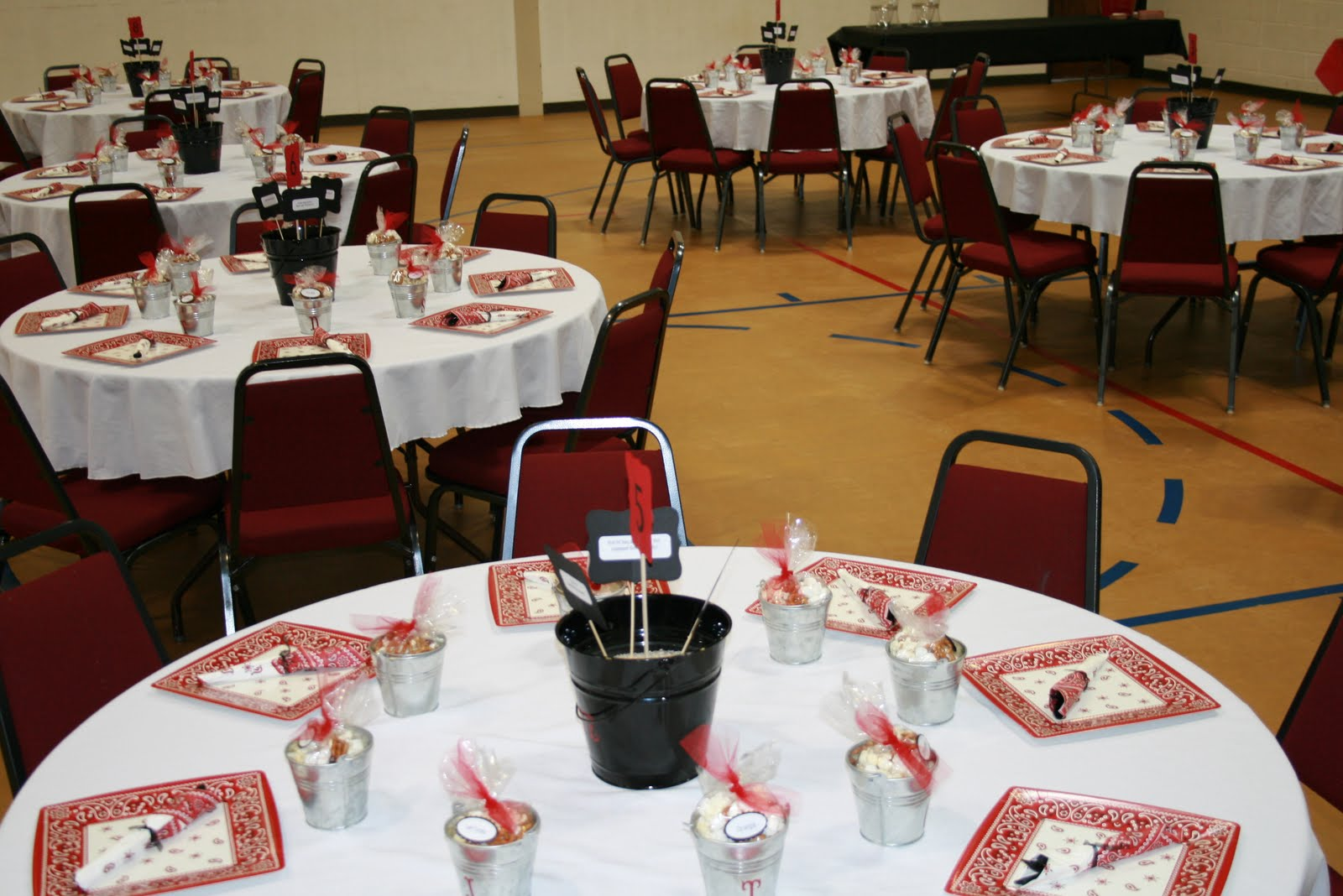 The wright blessings rehearsal dinner decorations for Dinner decoration