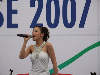 Fiona Xie Singing at Navy Open House 2007 - Picture 5
