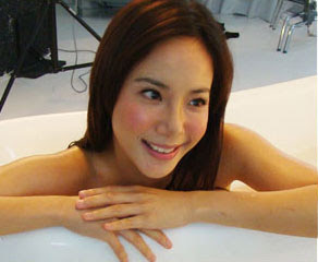 sexy fiona xie bathing - 01