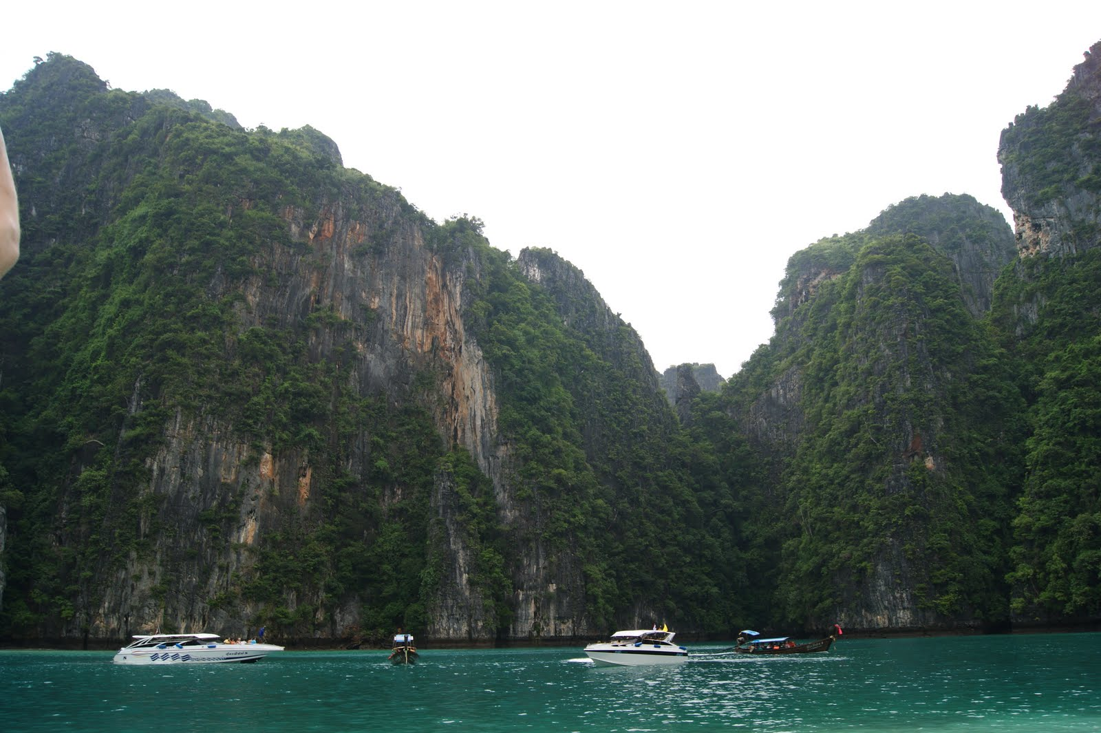 Discovering the other side of the planet phi phis island for Bengala asia