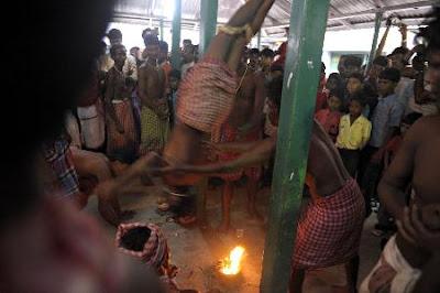 Foto-foto Festival Kematian dari India