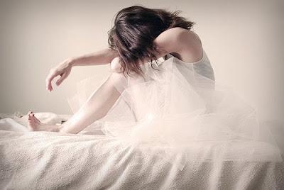 http://1.bp.blogspot.com/_a2Ac_i7cQNk/S9okDREb1iI/AAAAAAAAZn8/ajLf6bqr8VQ/s1600/depresi.jpg