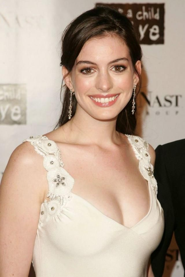 no nude but cute anne hathaway no nude but cute